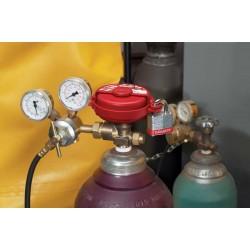 Master Lock S3910 Pressurized Gas Valve Cover